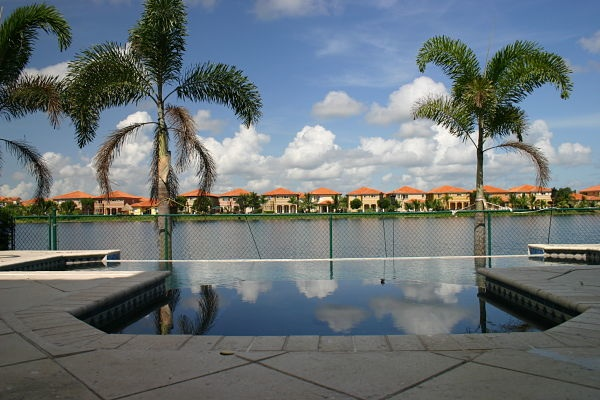 South florida pool contractor miami pool builder for Swimming pool construction miami